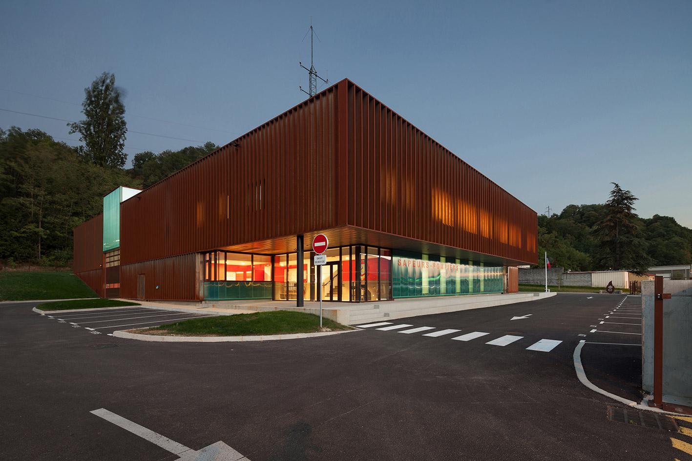 jerome-ricolleau-photographe-architecture-lyon-Composite-grenoble-sdis-caserne-pompiers-seyssel-11