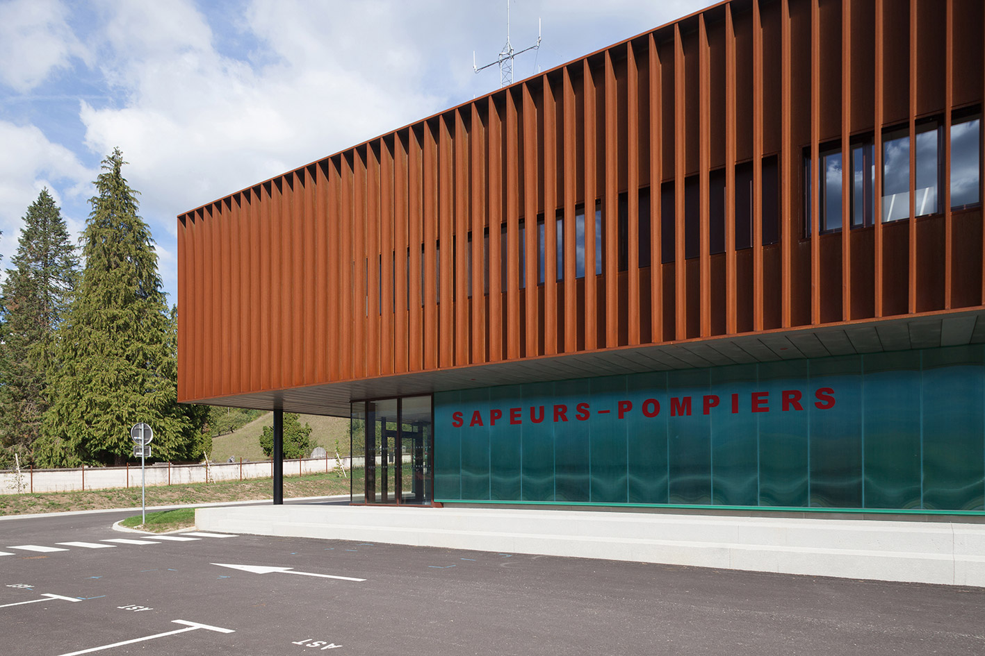 jerome-ricolleau-photographe-architecture-lyon-Composite-grenoble-sdis-caserne-pompiers-seyssel-5