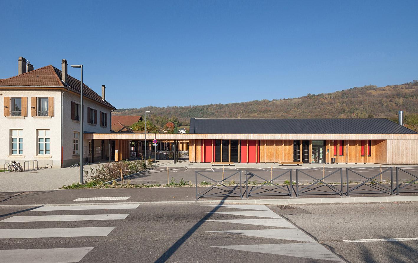 jerome-ricolleau-photographe-architecture-lyon-Composite-grenoble-vaulnaveys-le-haut-restructuration-extension-ecole-jules-bruant-maternelle-elementaire-periscolaire-multiaccueil-1