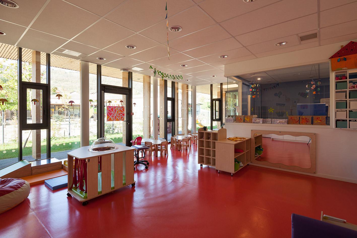 jerome-ricolleau-photographe-architecture-lyon-Composite-grenoble-vaulnaveys-le-haut-restructuration-extension-ecole-jules-bruant-maternelle-elementaire-periscolaire-multiaccueil-5