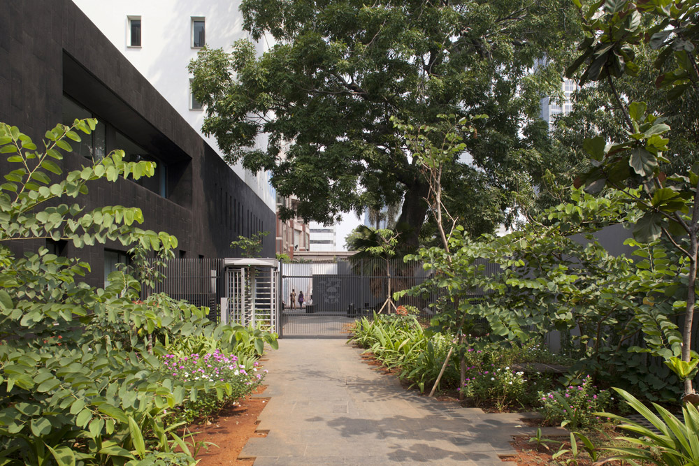 jerome-ricolleau-photographe-architecture-lyon-ambassade-france-jakarta-indonesie-segond-guyon-5